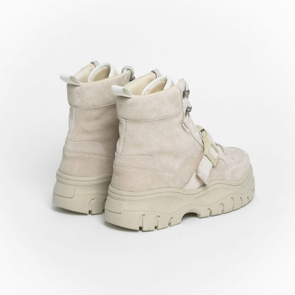 006-track-boot-bone-trasera